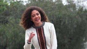 Teenager femminile ispano della ragazza di Latina video d archivio