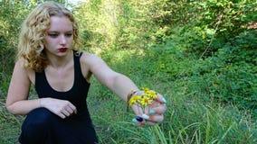Teenager in Forrest fotografia stock libera da diritti