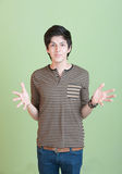 Teenager ispanico con le braccia aperte Fotografie Stock Libere da Diritti