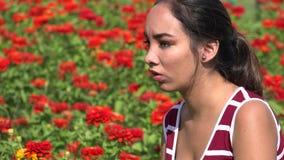 Teenager ispano femminile sollecitato o arrabbiato archivi video