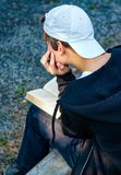 Teenager read a Book Royalty Free Stock Images