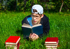 Teenager read a Books Royalty Free Stock Photography
