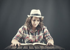 A teenager reading Royalty Free Stock Photography