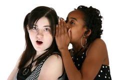 Teenager und Geheimnisse Stockfoto