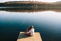 Ονειρεμένος ζεύγος των νέων teens Στοκ εικόνες με δικαίωμα ελεύθερης χρήσης