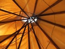 Teepee-Decke durch das Dach Lizenzfreie Stockfotos