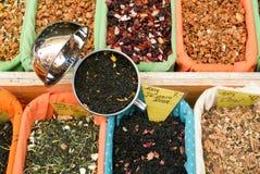 Tees und Gewürze Stockfotos