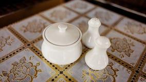 Teeschale auf Tabelle Stockfotografie