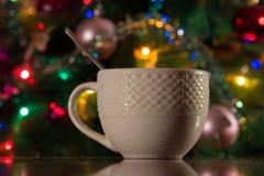 Teeschale für das neue Jahr Stockbilder