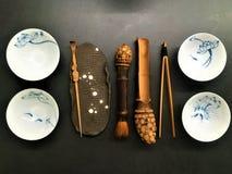 Teezeit und künstlerische Werkzeuge Stockfotos