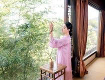 Teezeremonie Teekunstspezialist Bamboo Fensterchina Lizenzfreie Stockfotografie