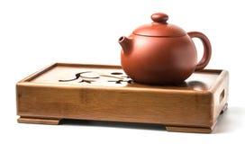 Teezeremoniezubehör-Teetopf des traditionellen Chinesen auf dem Tee Stockbild