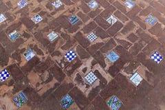 Tegelplatta i gamla spanska bad Royaltyfri Foto