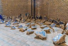 Tegelplattagarneringar som är skadade vid jordskalvet 1779 Blå moské för inre i Tabriz Östligt Azerbajdzjan landskap iran arkivbilder