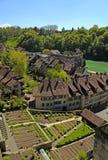 Tegelplattatak av den Bern- och Aare floden (Schweiz) Arkivfoto