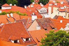 Tegelplattatak av den gammala staden. Övre sikt Fotografering för Bildbyråer