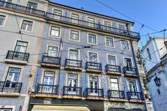 Tegelplattor av den Lissabon byggnadsfasaden Arkivfoto