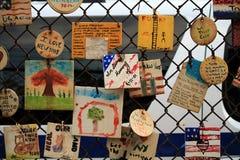 Tegelplattor för Amerika i NYC - minnas 9/11/2001 Arkivfoto