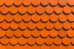 Tegelplattor för ett tak för hus röda Royaltyfri Fotografi