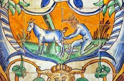 Tegelplattor glasade, den kungliga slotten för alcazaren i Sevilla, Spanien Royaltyfri Foto