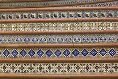 Tegelplattor i en trappuppgång av en teater arkivfoton