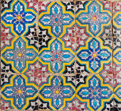Tegelplattor med geometri av färgrika modeller Arkivfoto