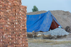 Tegelstenar blockerar i konstruktionsplats Royaltyfri Bild