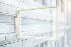 Tegelstenbyggnad för Glass propp Royaltyfri Fotografi