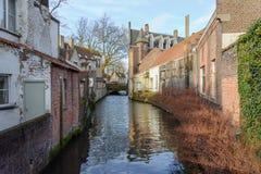 Tegelstenbyggnader i Bruges, Belgien 2017 Fotografering för Bildbyråer