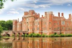 TegelstenHerstmonceux slott i England det östliga Sussex 15th århundradet royaltyfria foton