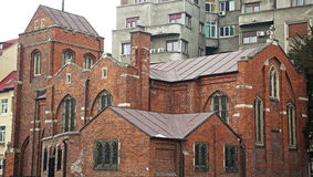 tegelstenkatolsk kyrka Royaltyfri Bild