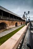 Tegelstenkonstruktion tillsammans med av trottoaren Royaltyfria Foton