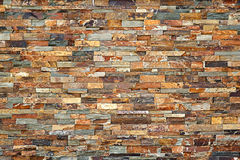 tegelstentegelstentäckning förstörde sidogammalt väggväder arkivbilder