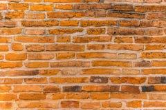 Tegelstenvägg i en tempel i Angthong Royaltyfria Bilder