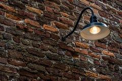 Tegelstenvägg med ljus Royaltyfri Fotografi