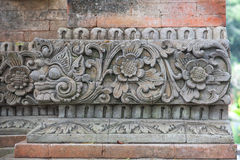 Tegelstenvägg med stenen Royaltyfri Fotografi