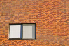 tegelstenväggfönster Royaltyfria Foton