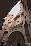 Tegelstenv?ggar p? baden av Diocletian rome arkivbilder