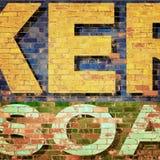 Tegelstenvägg med målade bokstäver Arkivfoton