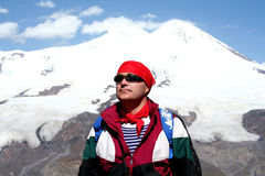 Tegen Elbrus Royalty-vrije Stock Foto's