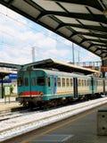 Tegengehouden trein in een spoor Royalty-vrije Stock Foto