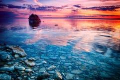 Tegenover elkaar stellende kleuren in het zonsonderganglicht Royalty-vrije Stock Foto's
