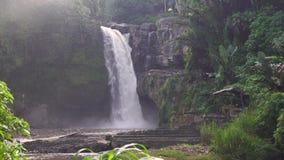 Tegenunganwaterval in Bali stock video