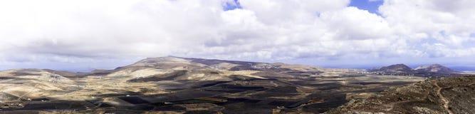 Teguise - uma vista do vulcão foto de stock