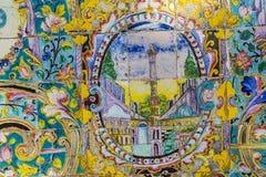 TEHERAN IRAN, PAŹDZIERNIK, - 05, 2016: Stara mozaiki ściana w Golestan pa Obrazy Royalty Free