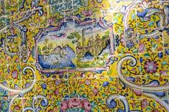 TEHERAN IRAN, PAŹDZIERNIK, - 05, 2016: Stara mozaiki ściana w Golestan pa Zdjęcia Stock