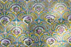 TEHERAN IRAN, PAŹDZIERNIK, - 05, 2016: Stara mozaiki ściana w Golestan pa Zdjęcie Royalty Free