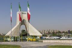TEHERAN IRAN, PAŹDZIERNIK, - 04, 2016: Widok Azadi wierza w Tehr Obrazy Royalty Free