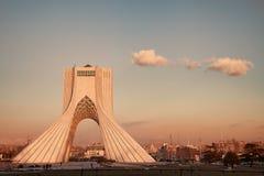 Tehran Landmark i solnedgång royaltyfria bilder