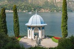 Tehus i trädgårdarna av villan Melzi, Bellagio, sjö Como arkivbilder